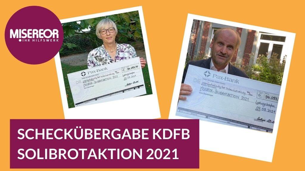 Thumbnail Collage mit Sabine Slawik (Vizepräsidentin KDFB) und Monsignore Spiegel (MISEREOR) jeweils mit dem Scheck